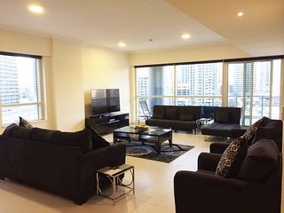 Luxury 4 Bedroom Apartment Al Sahab Dubai Marina - Dubai vacation rentals