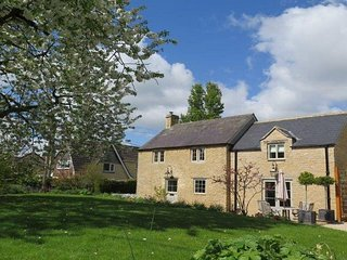 Lovely 2 bedroom House in South Wraxall - South Wraxall vacation rentals
