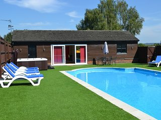 Country house 773 m from the center of Chinnor with Internet, Pool, Parking - Chinnor vacation rentals