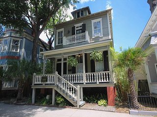 Stunning 3 BR/ 3BA overlooking famous Forsyth Park - Savannah vacation rentals