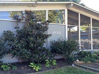 202 Elizabeth Avenue - Rehoboth Beach vacation rentals