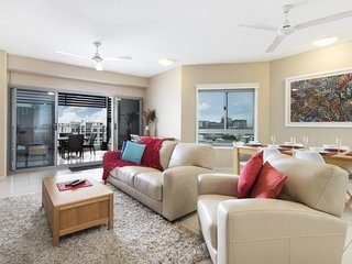 Darwin Executive Suites & FREE CAR - 2 Bedroom Sleep 5 - Darwin vacation rentals