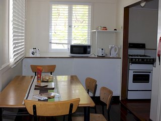Lovely 2 bedroom House in Birkdale - Birkdale vacation rentals