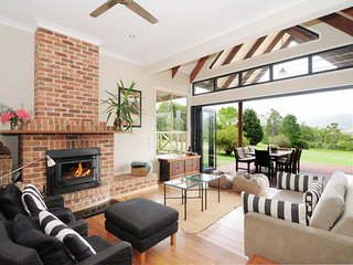 Perfect 4 bedroom House in Kangaroo Valley with Internet Access - Kangaroo Valley vacation rentals
