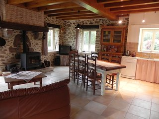 Gorgeous Gite with Internet Access and Satellite Or Cable TV - Abjat-sur-Bandiat vacation rentals