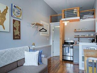 Mini Modern home! Heart of Green Lake! Free Wi-fi! - Seattle vacation rentals