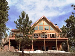 AMAZING 6 bedroom SECLUDED CABIN. VIEWS! VIEWS!! - Lead vacation rentals