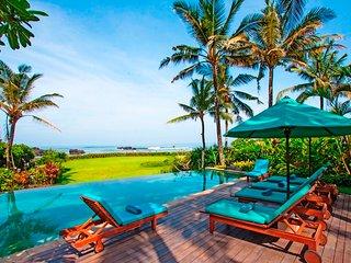 Bright 4 bedroom Tanah Lot Villa with Internet Access - Tanah Lot vacation rentals