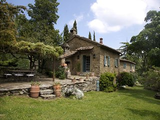 Perfect Villa with Internet Access and Private Outdoor Pool - Camucia vacation rentals