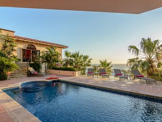 Casa Malèna provides a luxurious and spacious area for family and friends to - Cabo San Lucas vacation rentals