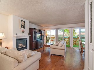 The perfect family getaway in the very popular Solana Beach & Tennis Club - Solana Beach vacation rentals
