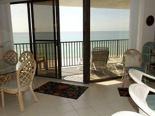 Aquavista 2bedroom, 2 bath with Sunset Views!  Sleeps 6.  Covered Parking! - Laguna Beach vacation rentals