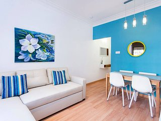Lovely 3-bed close to the best beaches of BCN - Sant Adria de Besos vacation rentals