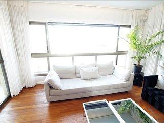 Tel Aviv Beach Apartment - Tel Aviv vacation rentals