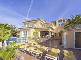 Lovely 5 bedroom Calpe Villa with A/C - Calpe vacation rentals