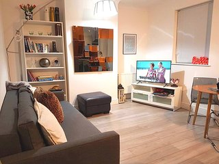 1 bed flat near Excel London / City Airport - Sleeps 4 - Barking vacation rentals