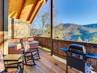 Cozy cabin w/ private hot tub & covered deck - great romantic getaway! - Wears Valley vacation rentals