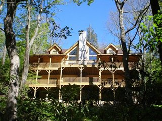 Spacious 5 bedroom Blowing Rock House with Internet Access - Blowing Rock vacation rentals