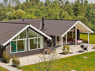 Bright 5 bedroom House in Kappeln with Shared Outdoor Pool - Kappeln vacation rentals