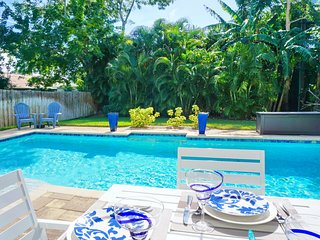 4 bedroom House with Shared Outdoor Pool in Naples - Naples vacation rentals