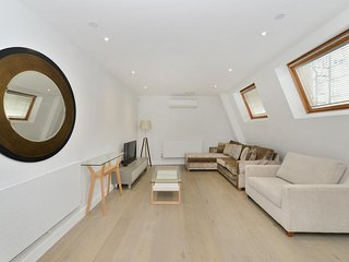 Two Bed Apartment in Leicester Square C - Scotland vacation rentals