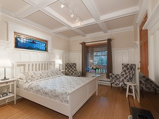 Classic Heritage Studio Suite  Close to Everything - Vancouver vacation rentals
