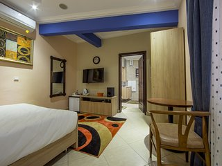 Bays Luxury Lodge - Accra, Opposite The Junction Mall - Nungua vacation rentals