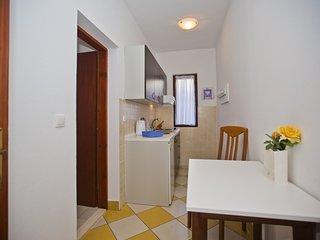 Charming studio apartment - Hvar vacation rentals