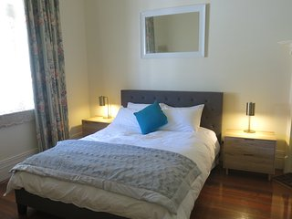 Gorgeous 3 Bedroom Home in the Heart of Prahran - Windsor vacation rentals