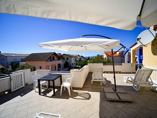 Perfect 2 bedroom Vrsi Apartment with Internet Access - Vrsi vacation rentals