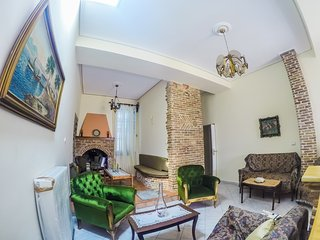 lUXURY APPARTMENTS CLASSIC BOUTIQUE - Karlovasi vacation rentals
