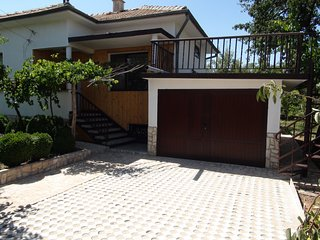 Lovely Bungalow with Internet Access and Washing Machine - Popovo vacation rentals