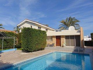 Villa Thea, 3 bed villa with pool in Pervolia - Pervolia vacation rentals