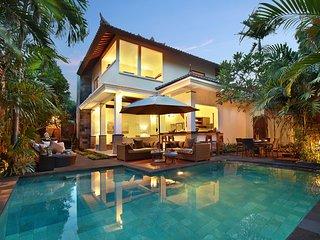 MASSIVE 1000sqm! MODERN LUXURY! 7BED/7BATH VILLA Seminyak/2x POOL/close to beach - Seminyak vacation rentals