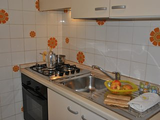 Lovely 2 bedroom Misano Adriatico Condo with Television - Misano Adriatico vacation rentals