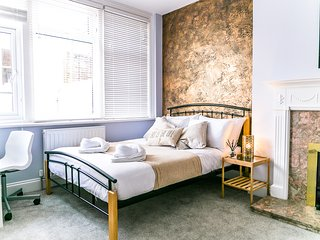 Seven Sisters - Double Bedroom - En-suite - Eastbourne vacation rentals