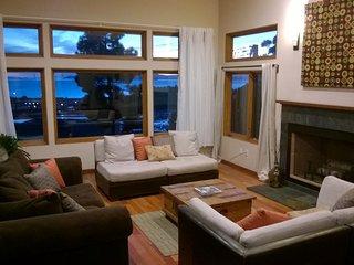 6BR with FANTASTIC VIEWS of Bay, Bridges, San Francisco - 4500sf Contemporary - Albany vacation rentals