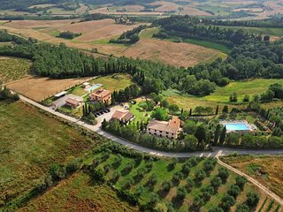 Apartment in Farmhouse (Rosa 4+2) province of Pisa,Volterra area, San Gimignano - Volterra vacation rentals