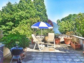 Bright 2 bedroom Villa in Pallanza with Balcony - Pallanza vacation rentals