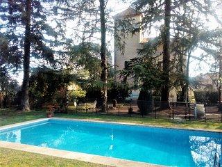 VILLA MARIA 2/3 familles prés de Barcelone - Santa Maria De Palautordera vacation rentals