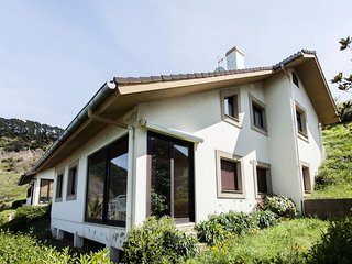 Beautiful Chalet with Internet Access and Television - Deba vacation rentals