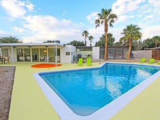 "The ""Rat Pack Pool Home "" Famous for Fun - 1959 Mid Century Modern Close to All - Palm Springs vacation rentals"