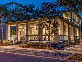 'Seas the Moment!' Seacrest*4 Bikes*Carriage House - Panama City Beach vacation rentals