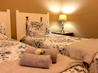 1 bedroom Private room with Internet Access in Dundee - Dundee vacation rentals