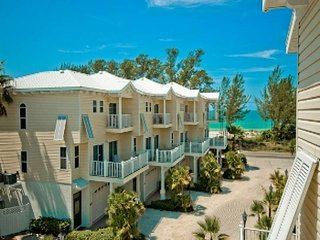 Lovely oceanview house, steps to the beach - Bradenton Beach vacation rentals