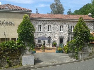 Nice Guest house with Internet Access and Central Heating - Barbazan vacation rentals