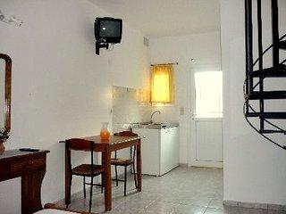18-24 Young Club Quadruple Room - Skiathos Town vacation rentals
