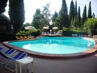 A due passi dal Vittoriale degli Italiani - Gardone Riviera vacation rentals