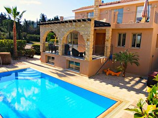 Excluisve Luxury Villa - Private Sandy Beach - Heated Pool & Jacuzzi -Games Room - Argaka vacation rentals