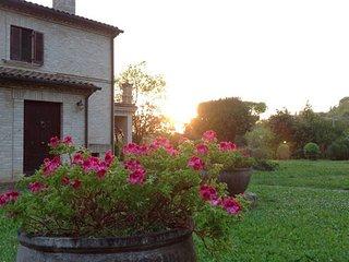 VILLA CAROLINA - Green House con ampio giardino - Loreto vacation rentals